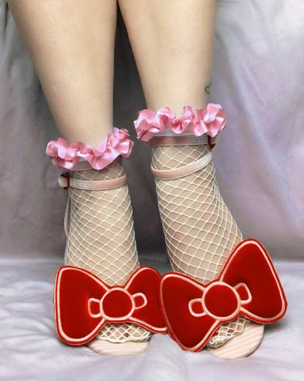 white-fishnet-socks-pink-ruffle-ribbon-y2k-kawaii-stockings