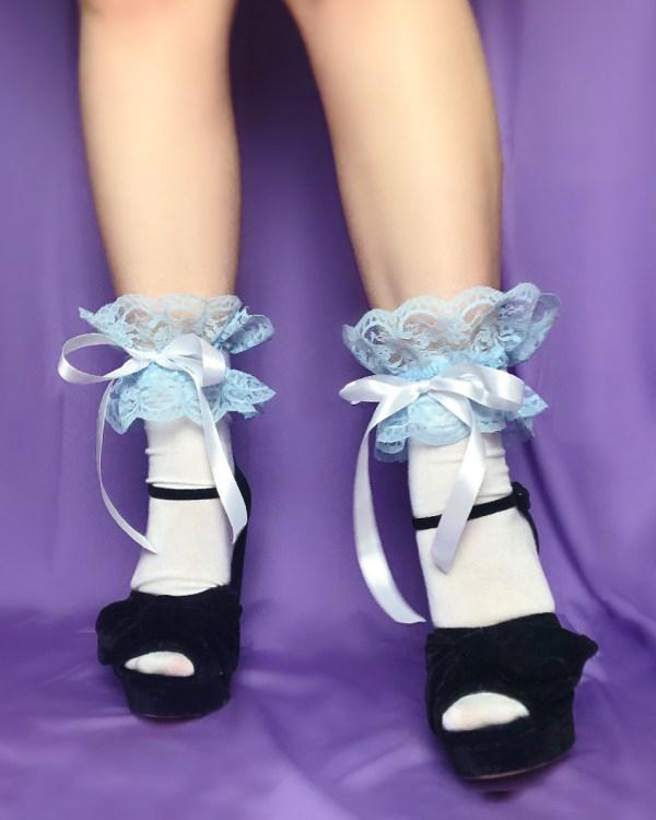 white-lace-frilly-socks-blue-satin-ribbon-bow-kawaii1