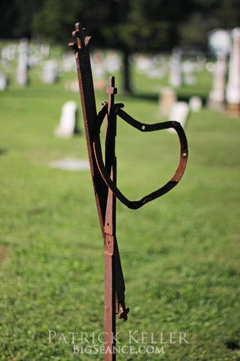 cemeteries, cemetery photography, rust on metal, st charles, missouri
