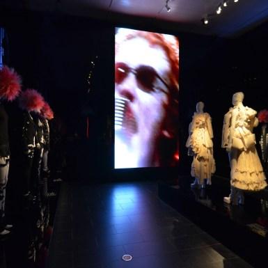 Met_Museum_Punk_DIY Gallery lighting