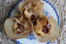 Little Almond Cakes with Fresh Raspberries https://bigsislittledish.wordpress.com/2013/07/10/little-almond-cakes-with-fresh-raspberries-gluten-free/