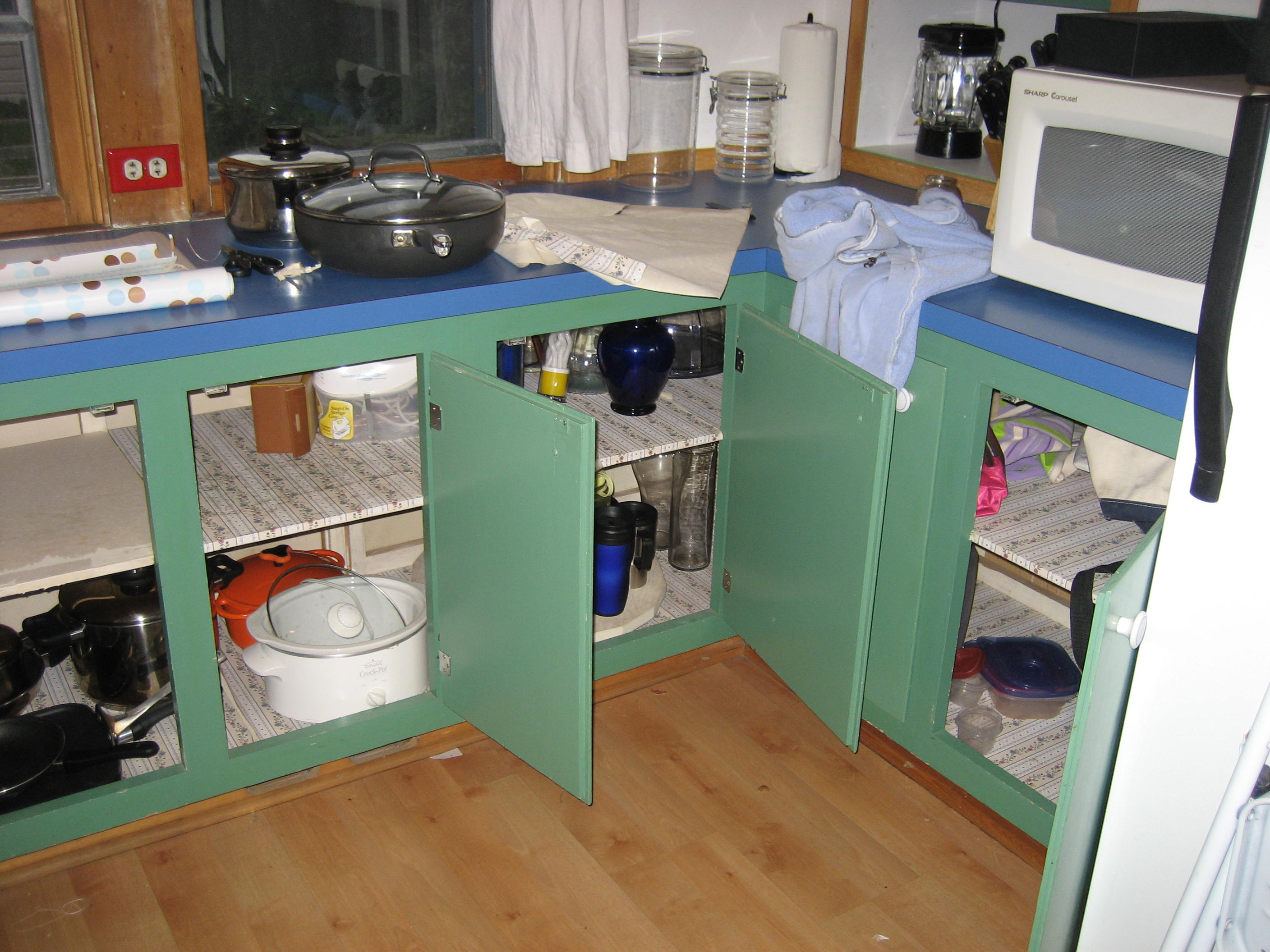 Isn't the cabinet color bad enough!?