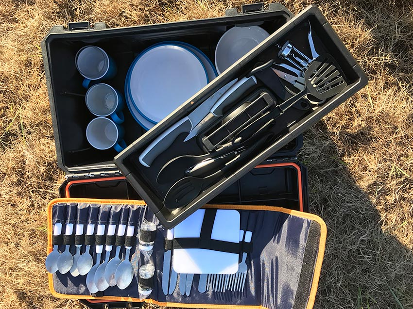 Jeep Wrangler cutlery campervans for hire in scotland