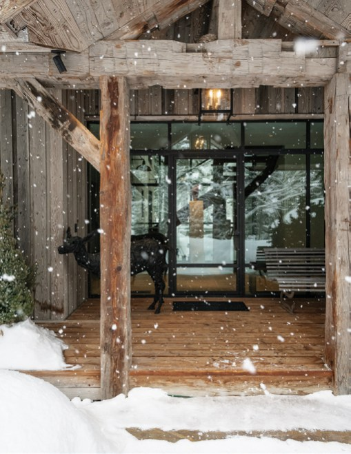 Jackson Hole, Wyoming-based interior designer and gallery owner Tayloe Piggott helped furnish the home with one-of-a-kind items, including an elk sculpture that sits near the front door by English artist Nicola Hicks.