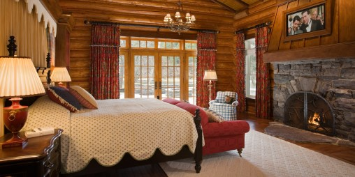 Channeling 20th Century Industrialist-Era opulence, through bedroom upholstery and window-dressings, the Evans Cabin at Kootenai Lodge is the ultimate historic Montana retreat.