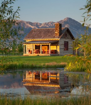 Set near the base of the Bridgers and just a few steps away from the Gallatin River, the cabin at East Gallatin Preserve makes the most of its natural setting. Stepping off the ample outdoor deck, one progresses from the expansive lawn where the Kehkes' s
