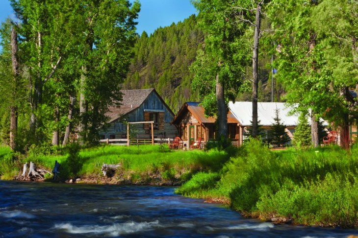 The Nature Conservancy (TNC) owns a prime piece of the Sweetwater, preserving some of the best high desert riparian habitat in Wyoming. The Lander TNC offers stays at a rustic cabin, 307.332.2971. Photo by Jeff Erickson
