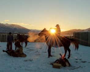Bret Zollinger incidentally wrangles a morning sunburst during the final shoot of the February Stoecklein Photo Workshop.