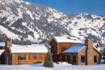 Settled at the base of the Tetons, the Shooting Star home in Teton Village was designed by JLF & Associates to mirror the rustic buildings of Wyoming.