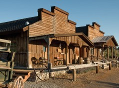 A look at the Taft-Nicholson visitor center and the Shambow house. Photography courtesy Taft-Nicholson Center