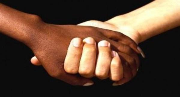 579837-Como-denunciar-preconceito-racial-630x340