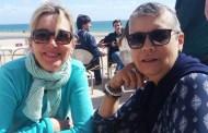 ADIVINHA QUEM SÃO! - Duas atletas oriundas de Moçambique, encontram-se numa esplanada em Carcavelos...