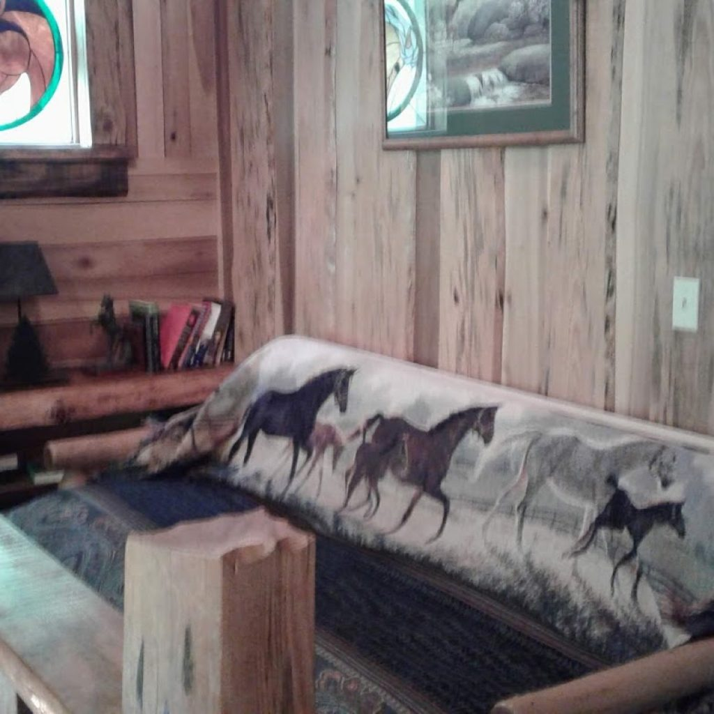 Open loft section with Horse futon