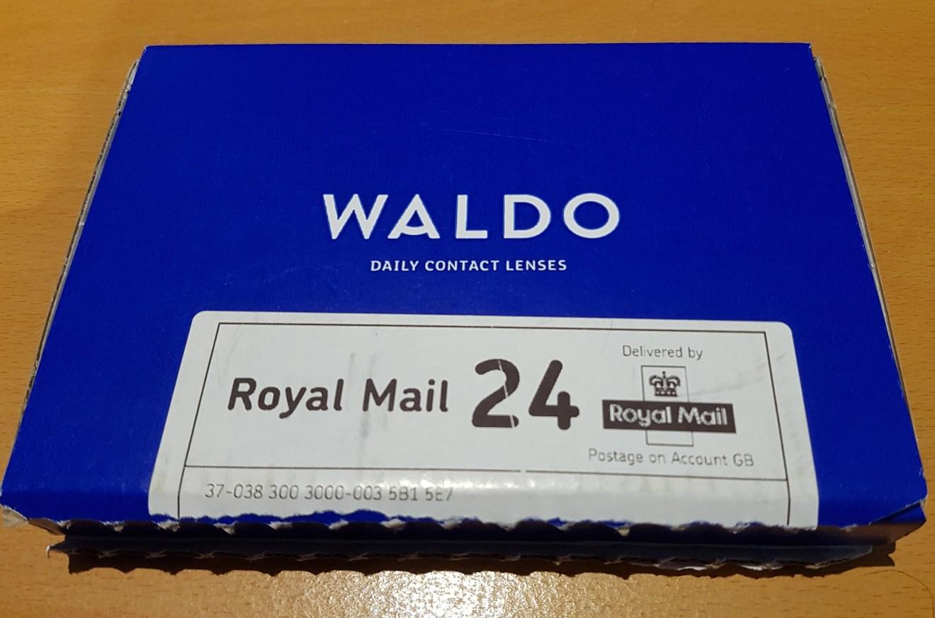 Waldo contact lenses