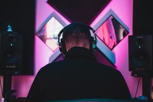 block an artist on Spotify