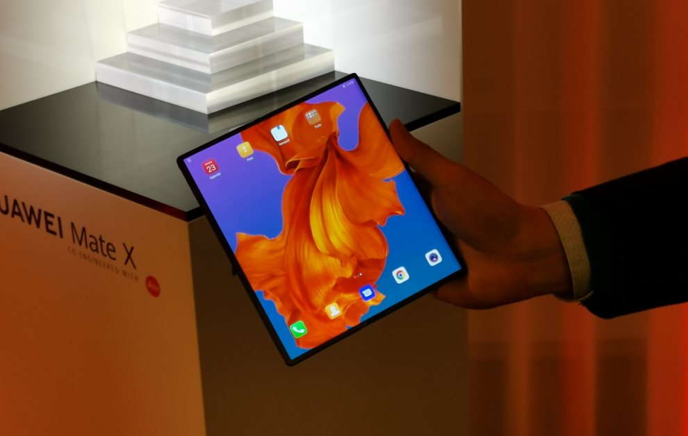 Huawei Mate X photos