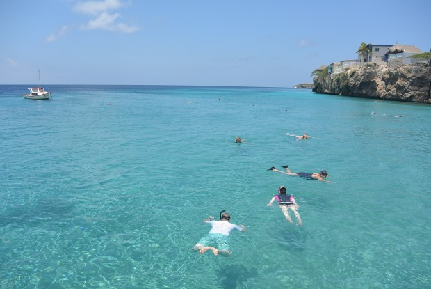 People snorkelling in Curacao