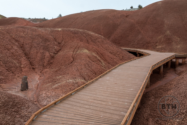 The boardwalk at the Painted Cove Trail at Oregon's Painted Hills