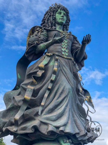 A Catherine of Braganza statue on the Lisbon waterfront