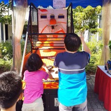 Basketball arcade Carnival game