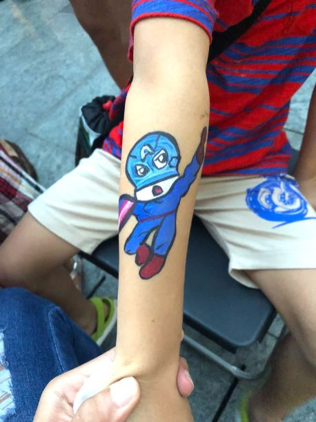 Singapore Hand:Face Painting