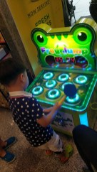 Whack the Frogs Machine