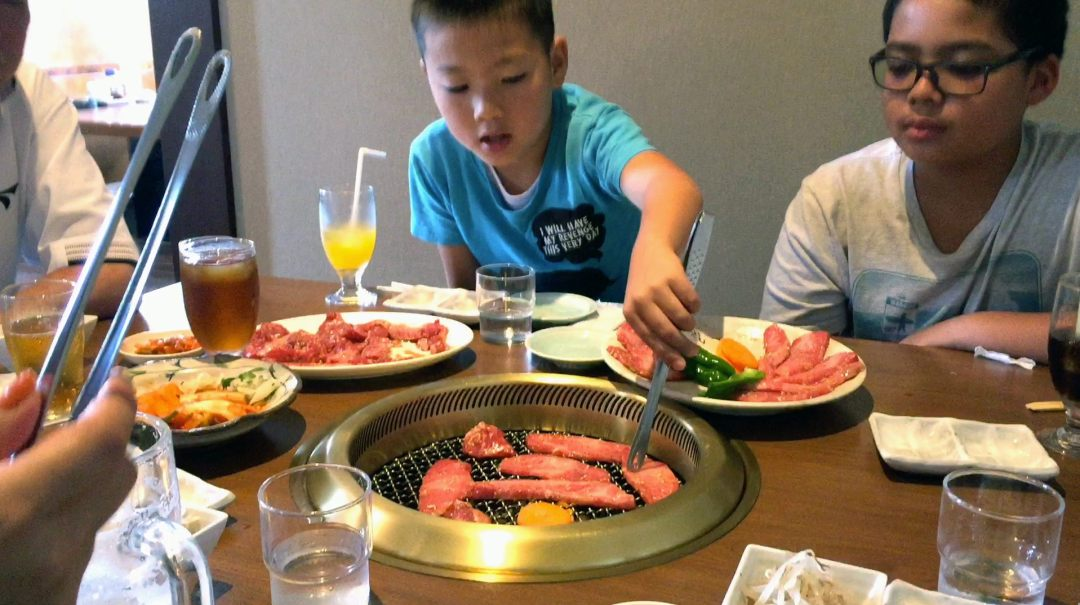 Eating Food In Japan - Trying Different Food In Japan - Yakiniku