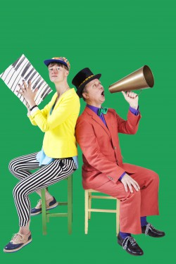 Ola Karlberg och Johanna Nordström i Big Winds Sipa Lipa Lakritspipa