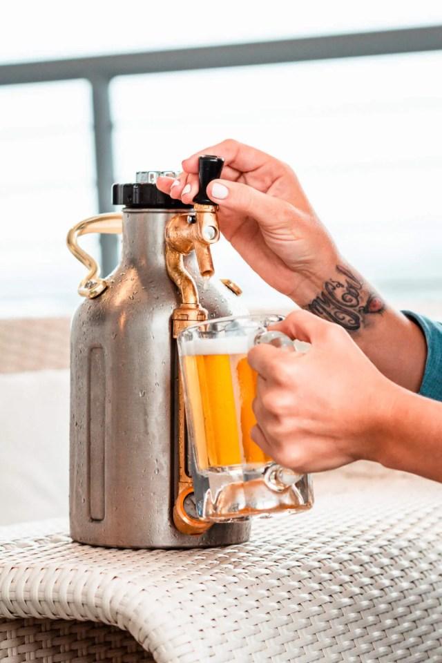 uKeg Pressurized beer growler
