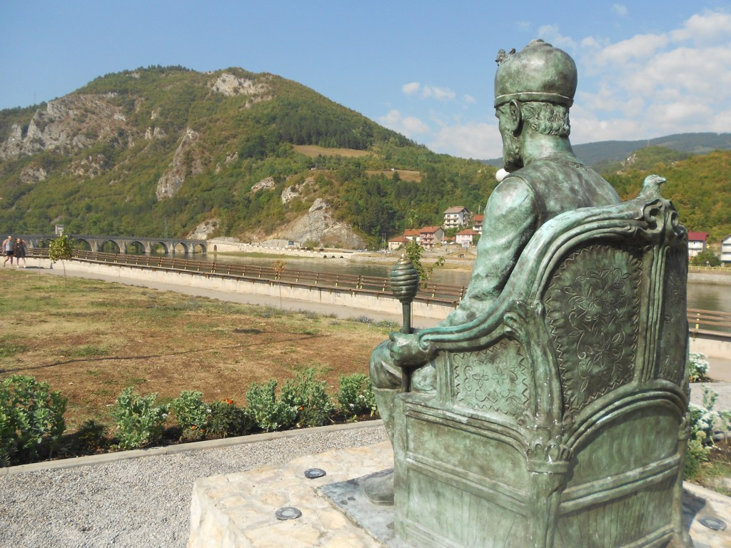 Мехмед-паша смотрит на мост. Фото: Елена Арсениевич, CC BY-SA 3.0