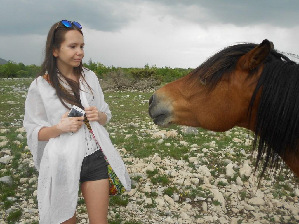 Маша и конь. Фото: Елена Арсениевич, CC BY-SA 3.0