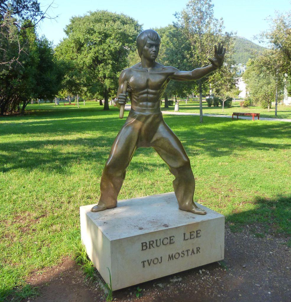 Памятник Брюсу Ли. Фото: Елена Арсениевич, CC BY-SA 3.0