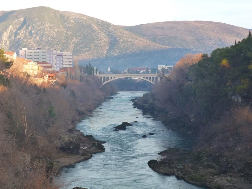 Вид на Царинский мост с моста Мусала. Фото: Елена Арсениевич, CC BY-SA 3.0