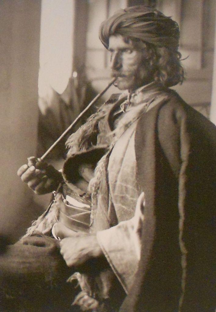 Курильщик с чибуком. Неизвестный автор, public domain