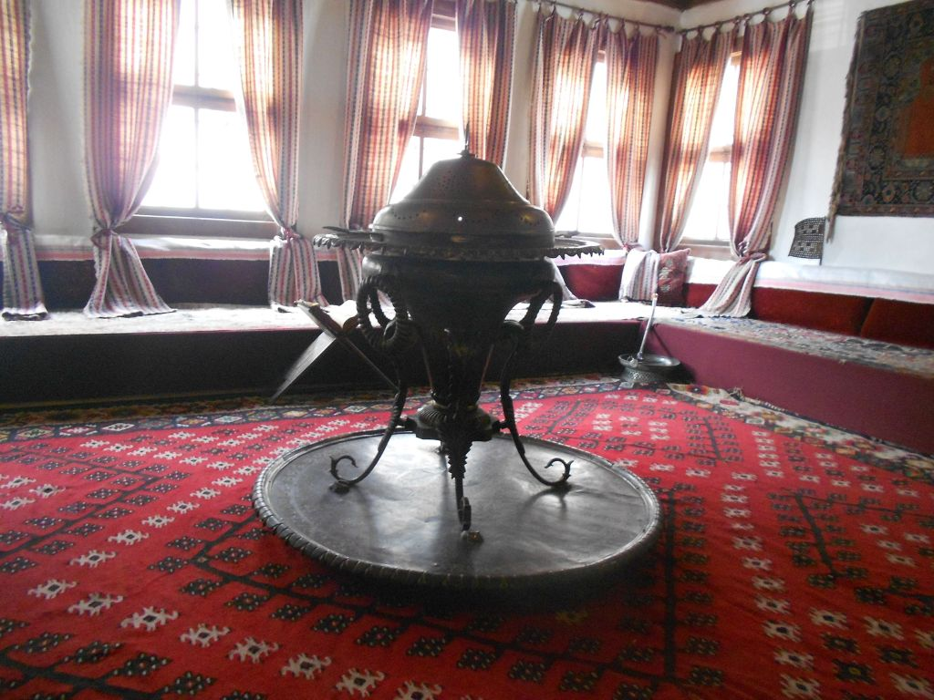Мангала в доме Сврзо. Фото: Елена Арсениевич, CC BY-SA 3.0