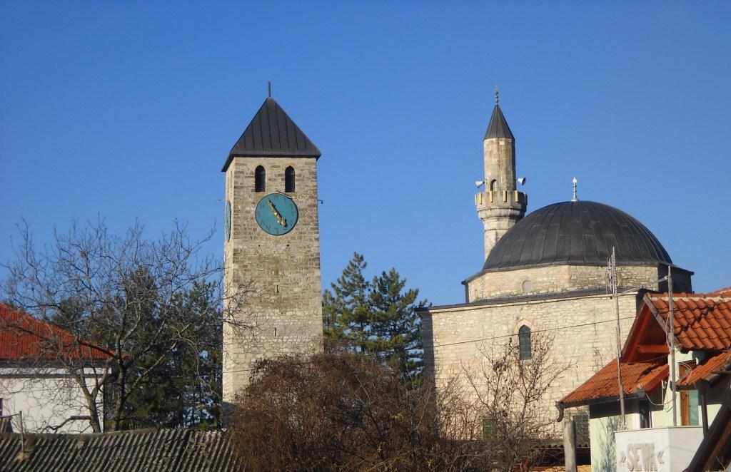 Сахат-кула и мечеть хаджи Ахмеда Дукатара. Фото: Елена Арсениевич, CC BY-SA 3.0