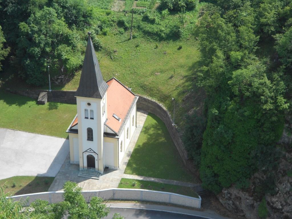Церковь. Вид сверху. Фото: Елена Арсениевич, CC BY-SA 3.0