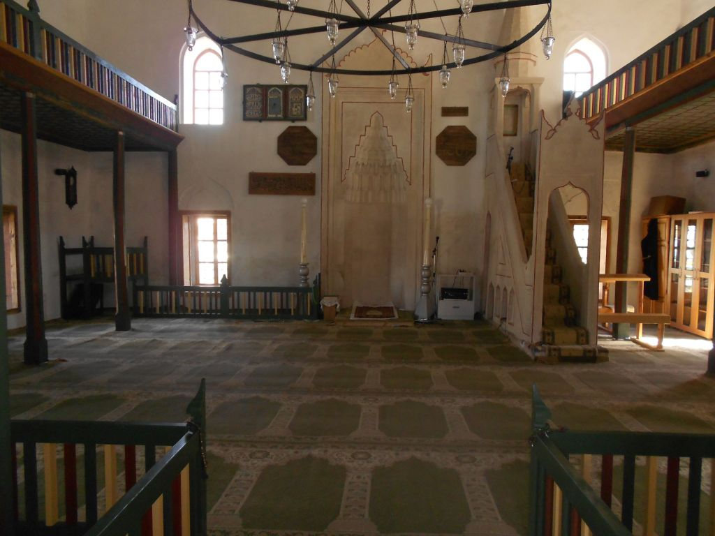 Интерьер мечети Хандании. Фото: Елена Арсениевич, CC BY-SA 3.0
