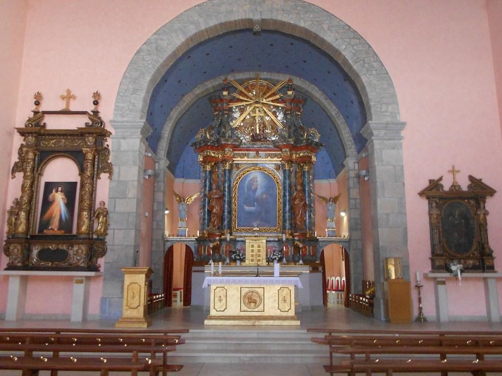 Барочный алтарь старой церкви. Фото: Елена Арсениевич, CC BY-SA 3.0