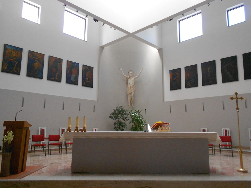 Алтарь новой церкви. Фото: Елена Арсениевич, CC BY-SA 3.0