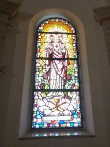 Витраж «Сердце Иисуса». Фото: Елена Арсениевич, CC BY-SA 3.0