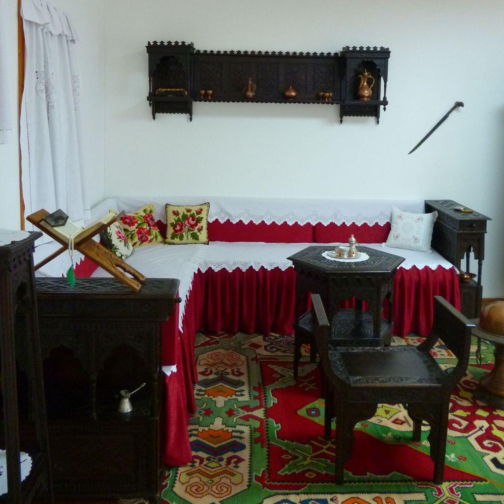 Сечия в интерьере традиционной комнаты. Музей в Яйце. Фото: Елена Арсениевич, CC BY-SA 3.0