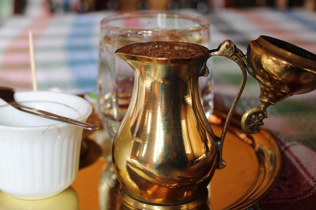 Малый ибрик для варки кофе. Фото: Елена Арсениевич, CC BY-SA 3.0