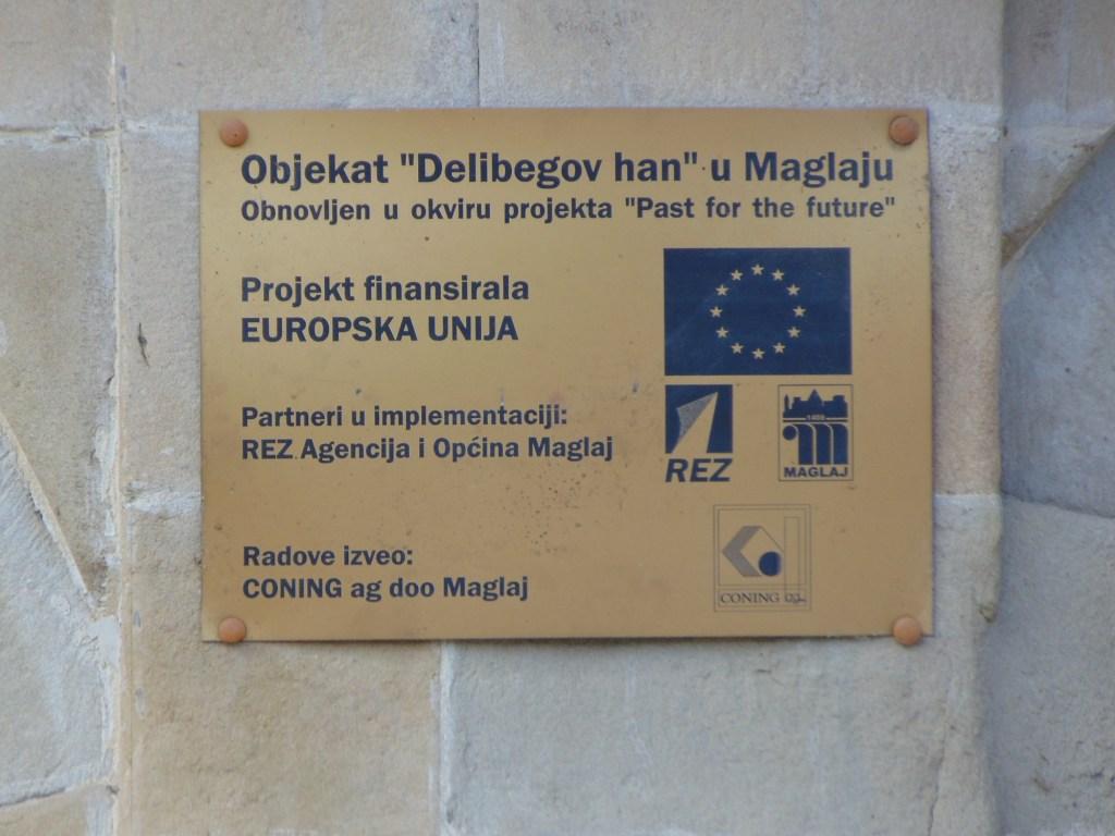 Табличка об участии Евросоюза в восстановлении. Фото: Елена Арсениевич, CC BY-SA 3.0