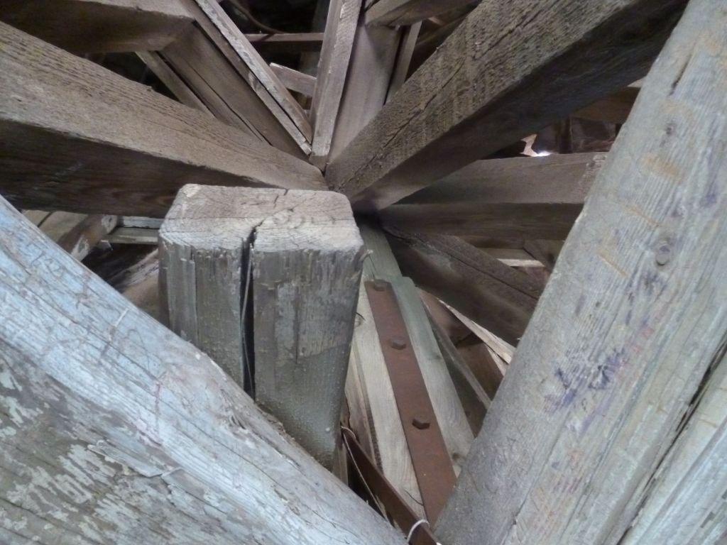 Конструкция крыши. Фото: Елена Арсениевич, CC BY-SA 3.0
