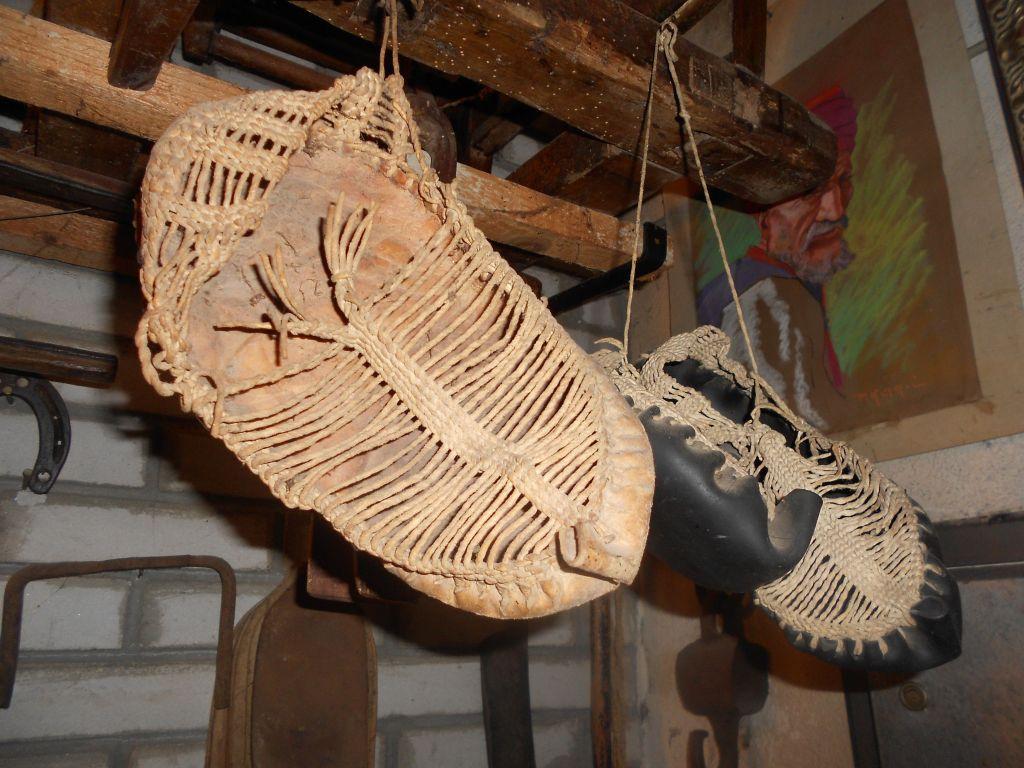 Опанки в музее «Старый град», Ливно. Фото: Елена Арсениевич, CC BY-SA 3.0