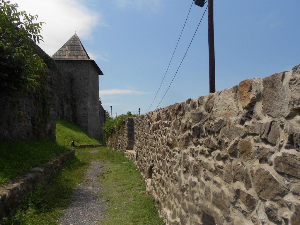 Внешняя стена крепости, 17-й век. Фото: Елена Арсениевич, CC BY-SA 3.0