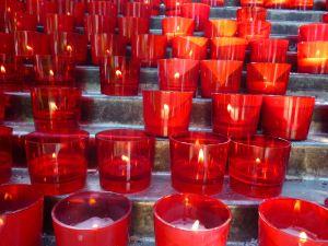 Свечи в Меджугорье. Фото: Елена Арсениевич, CC BY-SA 3.0
