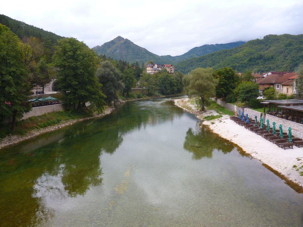 Вид с моста вверх по течению. Фото: Елена Арсениевич, CC BY-SA 3.0