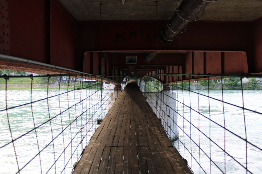 Мост, спрятанный под мостом. Фото: Елена Арсениевич, CC BY-SA 3.0